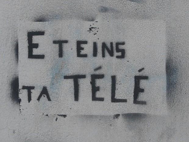 38-grenoble-eteins_ta_tele-01
